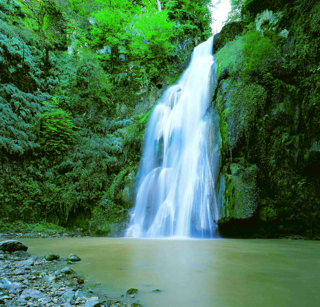 آبشار لوه ایران